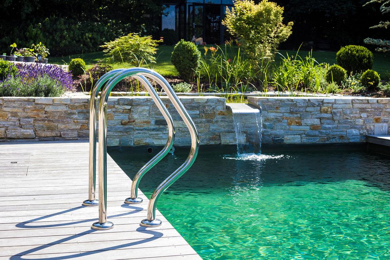 wasserspiel naturpool poolleiter - Wasserspiele Im Pool