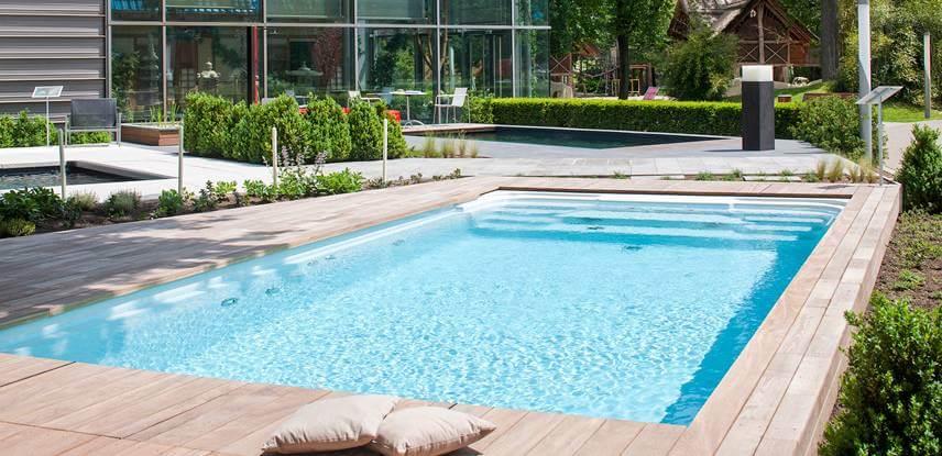 der klassische pool elegantes design und angenehm. Black Bedroom Furniture Sets. Home Design Ideas